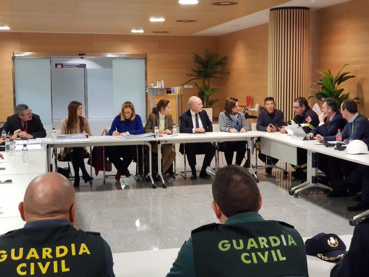 crisis aena - Actividad frenética en el aeropuerto de Corvera por los desvíos desde El Altet