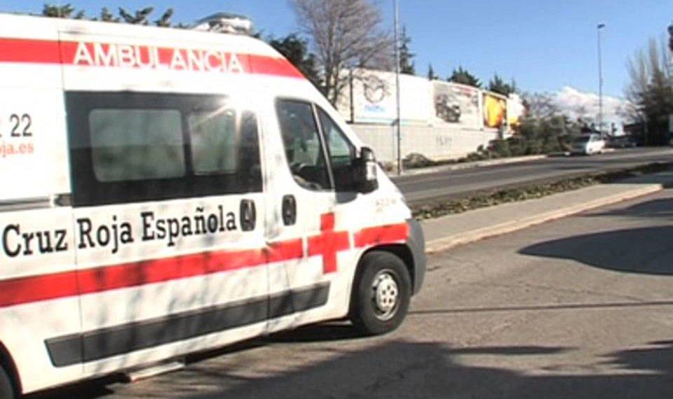 ambulancia cruz roja 960x570 - Voluntarios de Cruz Roja de toda España se suman a la denuncia de los miembros de Murcia