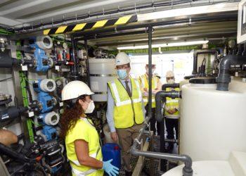 La instalación de una compuerta de regulación limitará el caudal de entrada a la depuradora para prevenir los efectos de los episodios de lluvias intensas.